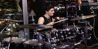 עידו מימון מתופף על AB Drums